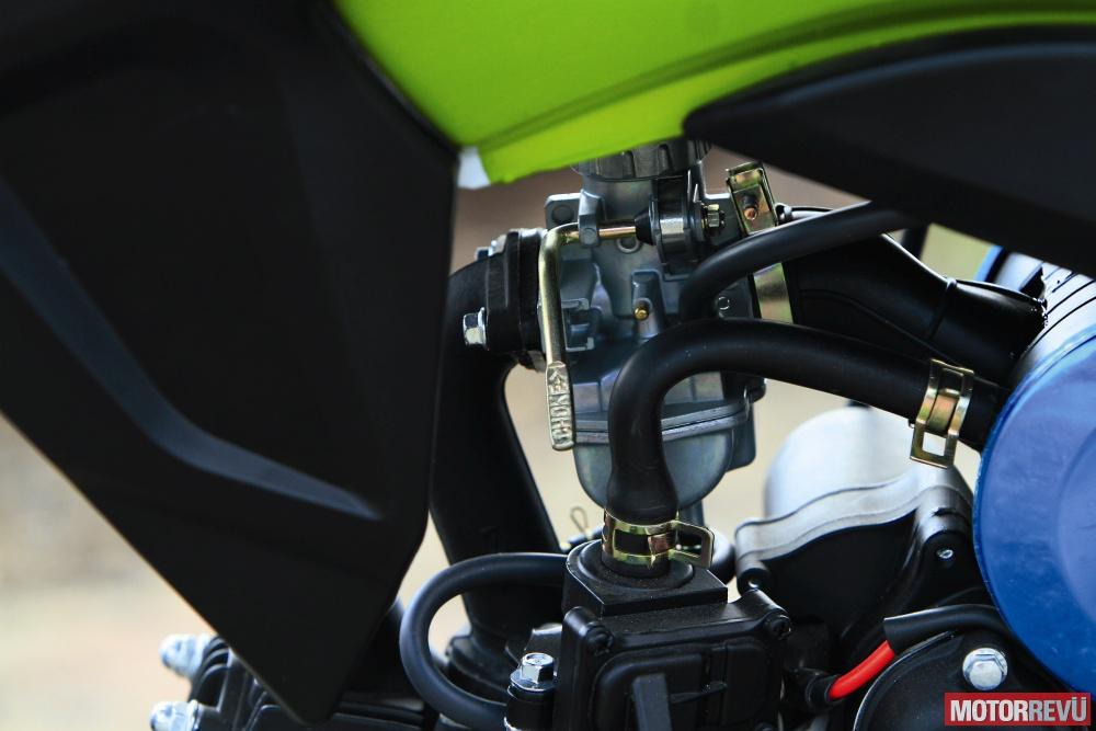 Motorok Tesztek galériája Junak 904