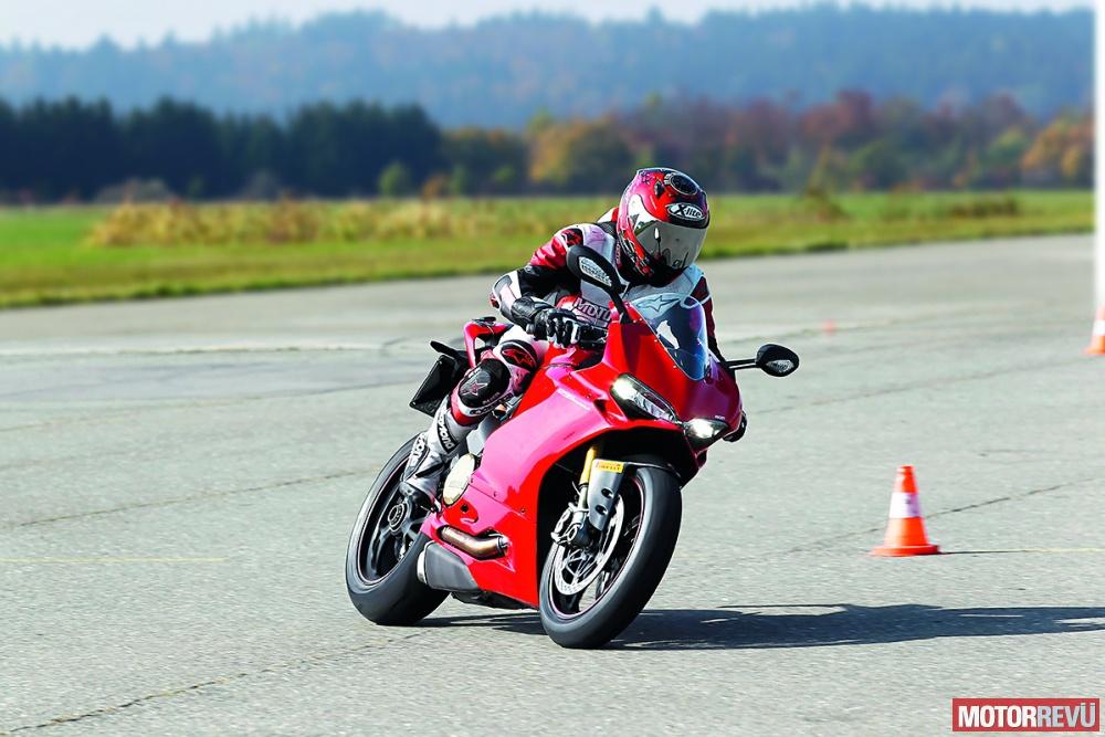 Motorok Tesztek galériája Kanyar-ABS-szel felszerelt motorok