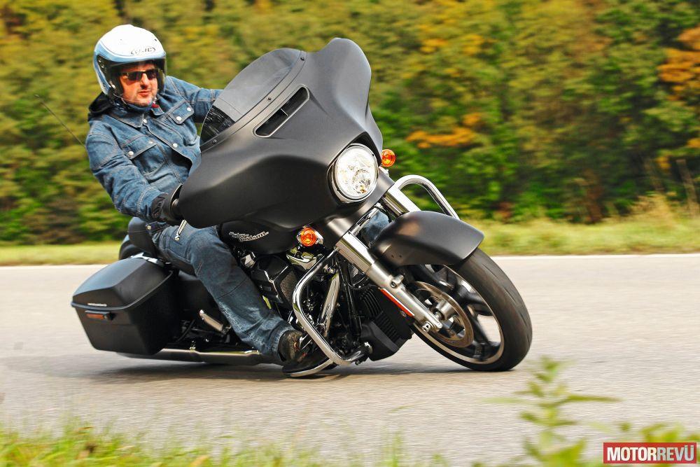 Motorok Tesztek galériája Moto Guzzi MGX-21/Harley-Davidson Street Glide