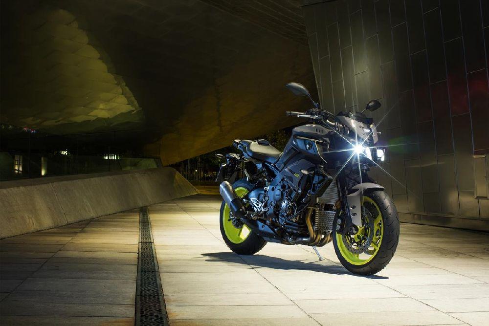 Motorok Yamaha MT-10 - 2016