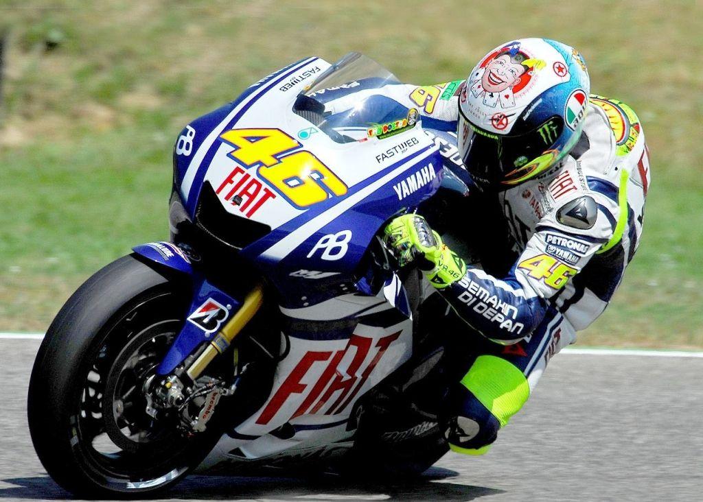 Valentino Rossi bukás Mugello