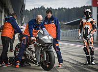 Az ausztriai nagyd�jon deb�t�l a KTM 270 l�er�s MotoGP motorja