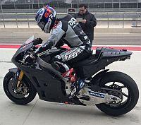 Az els� teszten �sszet�rt az Aprila �j MotoGP-motorja