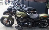 A Harley-Davidson nem esett a feje l�gy�ra