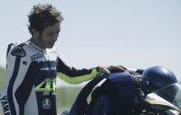 Amikor Rossi tal�lkozott a Yamaha motoroz� robotj�val…