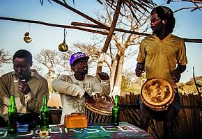 Gambiai motorozás, 2. rész