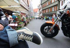 Városi motoroscipők tesztje
