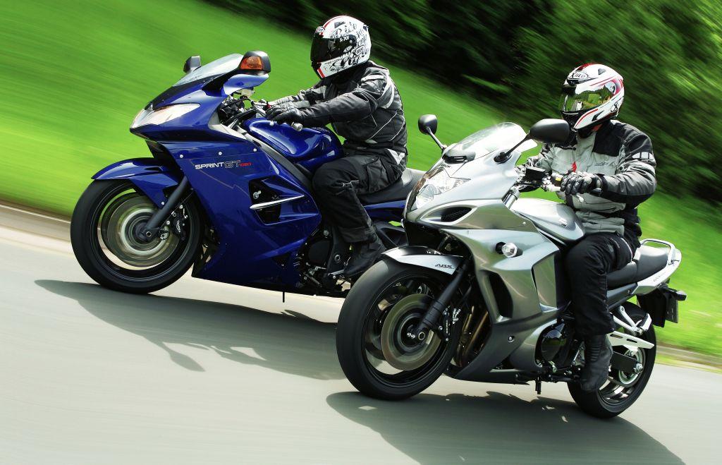 Triumph Sprint ST és Suzuki GSX1250FA összehasonlító teszt