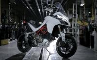 �gy sz�letik meg egy Ducati Multistrada 1200