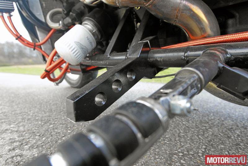 Motorok Custom sarok Aston Martin Springfield V12-átépítés