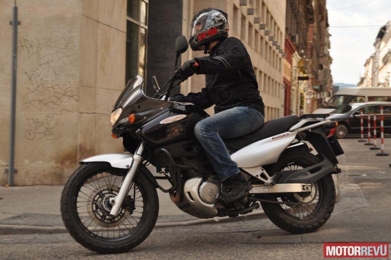 Motorok Suzuki XF650 Freewind