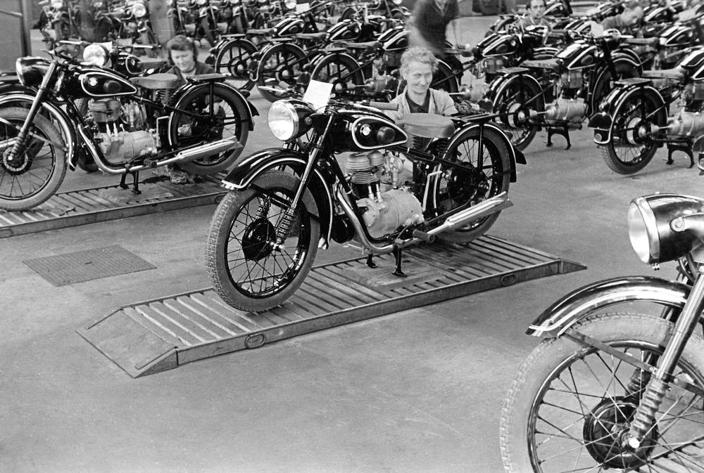 Motorok BMW 100 év