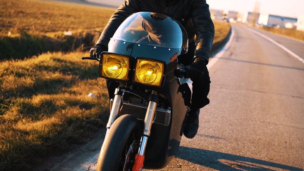 Motorok Custom sarok Midnight Runner (Electrica és Apache Customs)