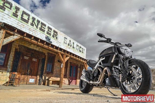Motorok Ducati Diavel (2014)