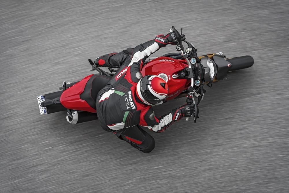 Motorok Ducati Monster 1200S (2017)