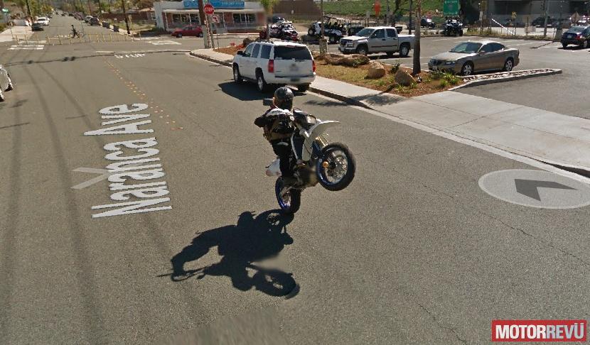 Motorok Google Street View egykerék