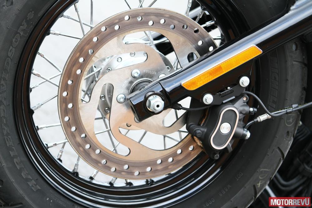 Motorok Harley-Davidson Forthy-Eight (2014)