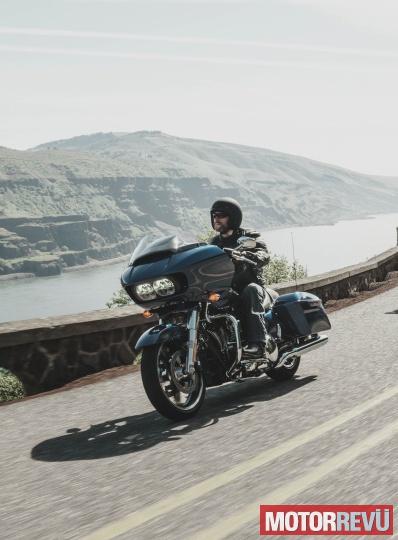 Motorok Harley-Davidson Road Glide Special 2015
