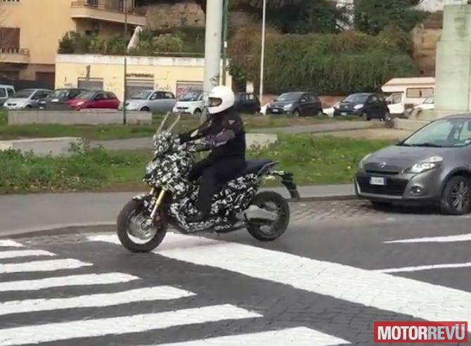 Motorok Honda ADV kémfotók