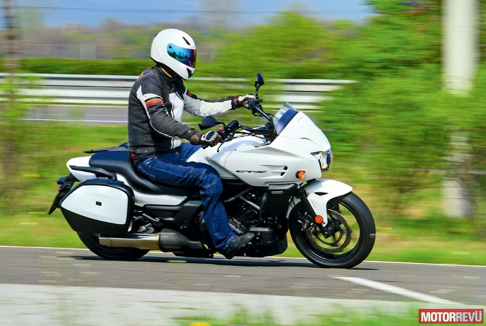 Motorok Honda CTX700D