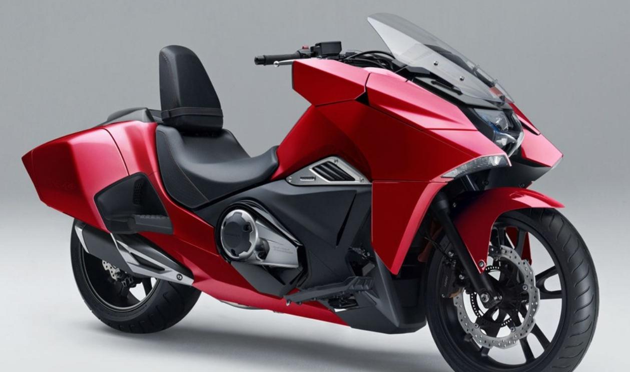Motorok Honda NM4 Vultus 2016