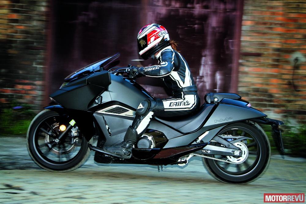 Motorok Honda NM4 Vultus