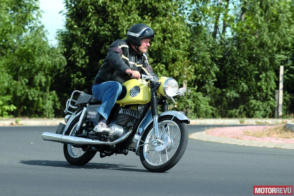 Motorok MZ ETS 250