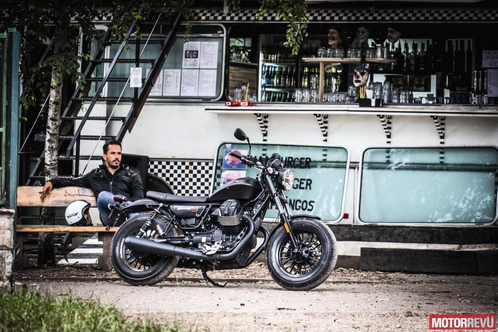 Motorok Tesztek galériája Moto Guzzi V9 Bobber (2016)