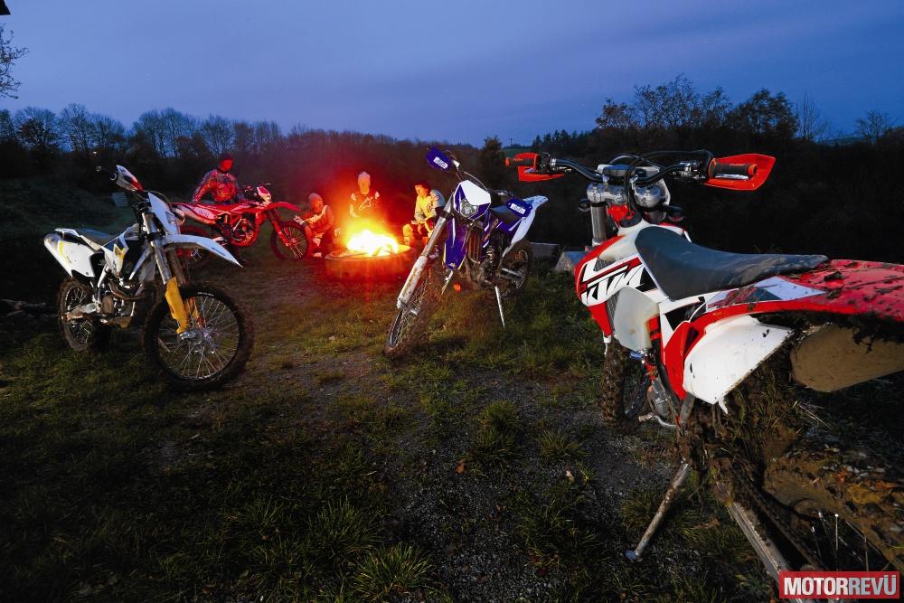 Motorok Tesztek galériája 350-es sportendurók