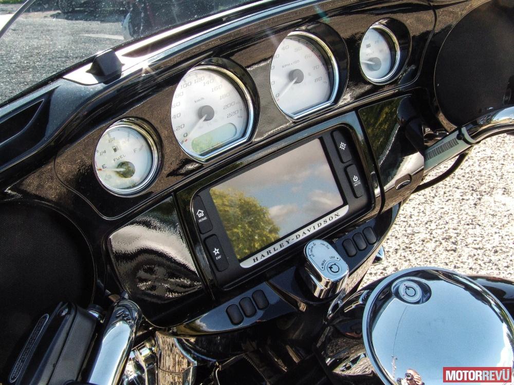 Motorok Tesztek galériája Harley-Davidson Street Glide Special (2016)