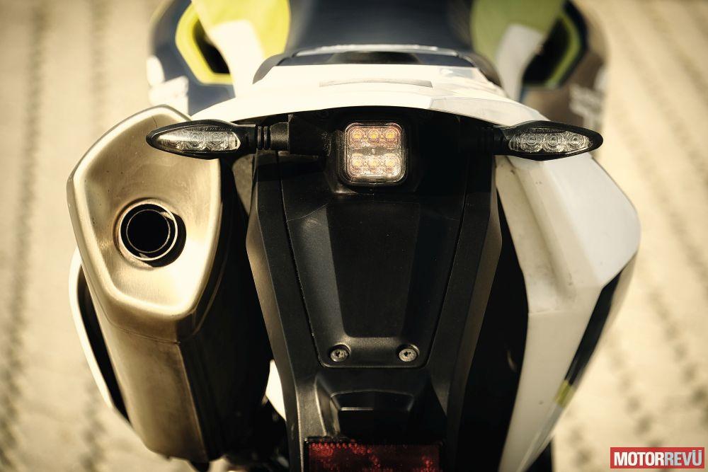 Motorok Tesztek galériája Husqvarna 701 Supermoto