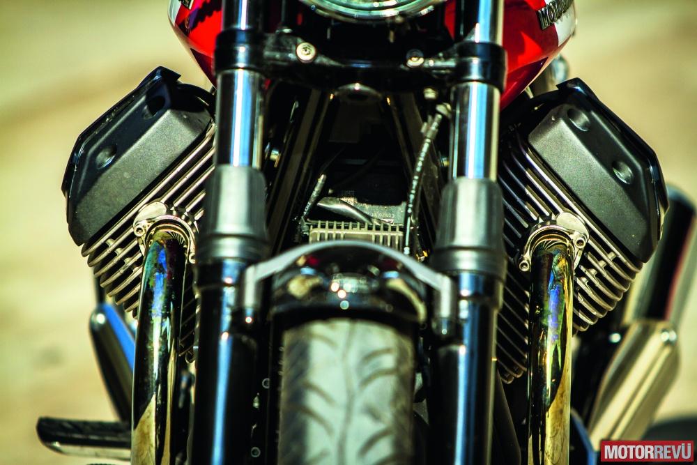 Motorok Tesztek galériája Moto Guzzi V7 II Special 2015