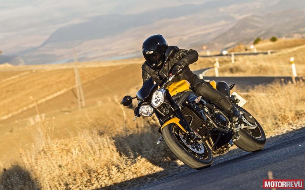 Motorok Triumph Speed Triple 94 és 94R