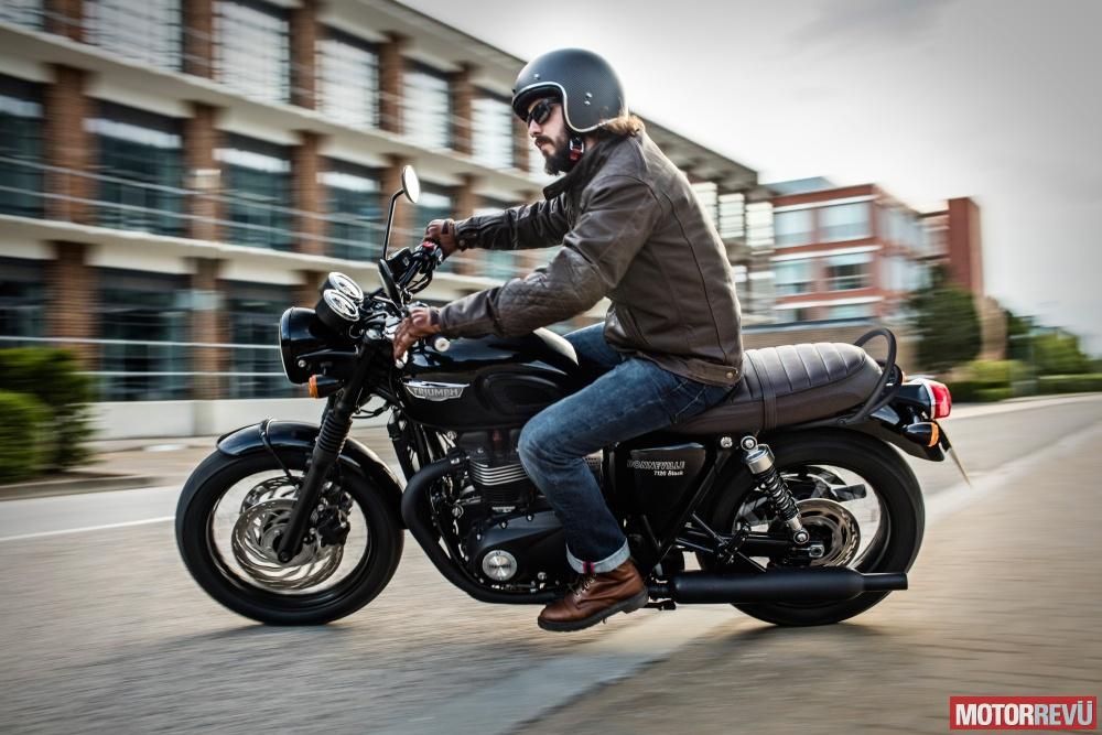 Motorok Triumph T120 Black 2016
