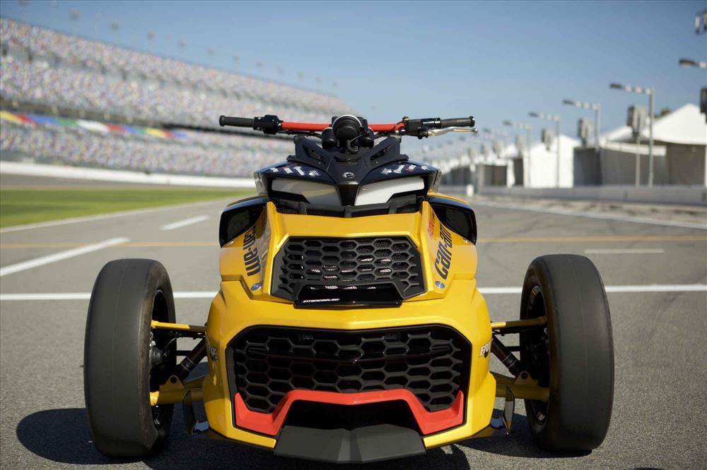 Motorok Turbós Can-Am Spyder F3