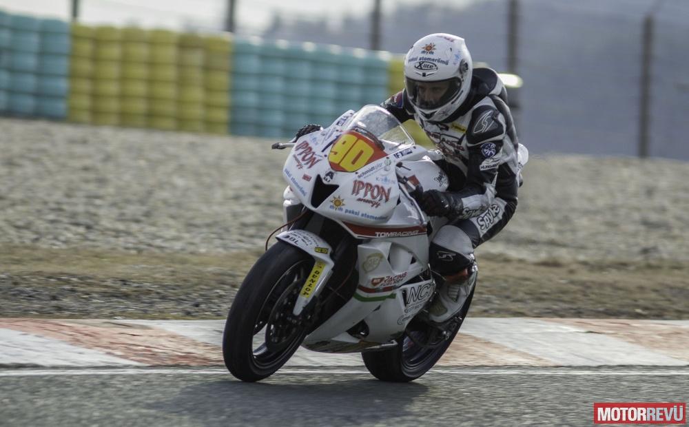 Motorok Versenymotorok Gyutai Adrián Honda 2015