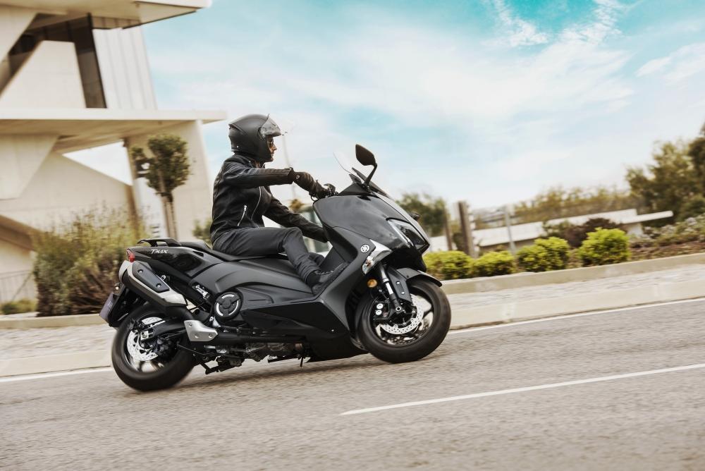 Motorok Yamaha TMAX (2017)