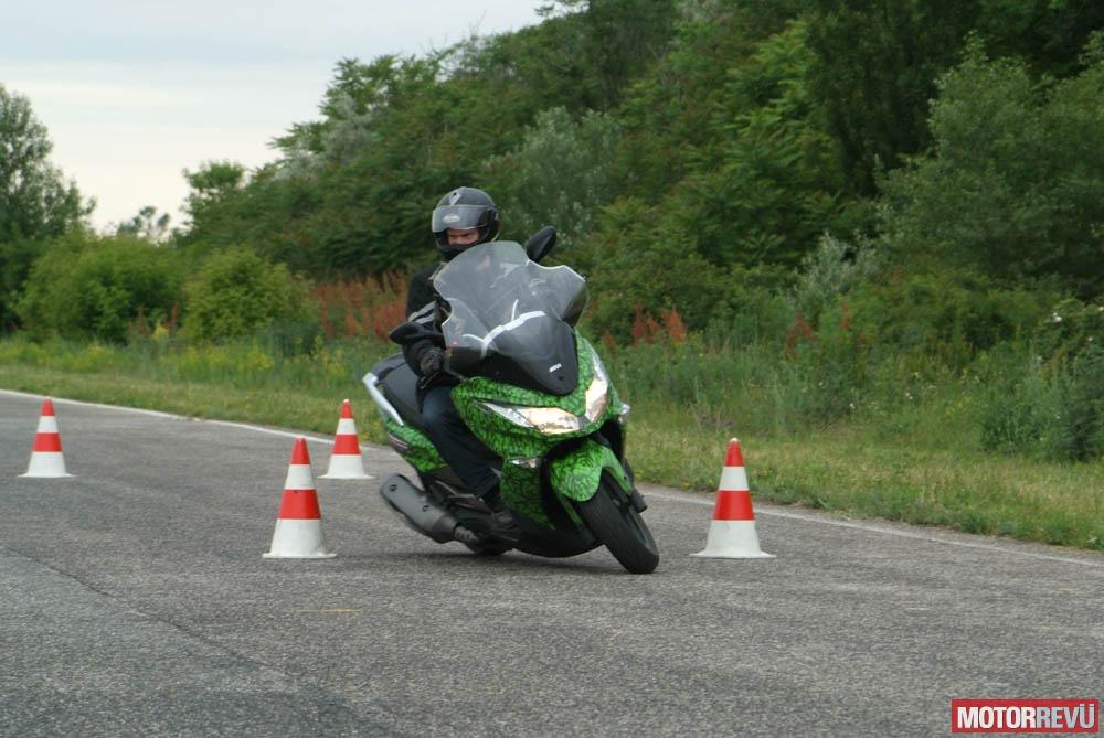 Találkozók, rendezvények Kawasaki – Rili vezetéstechnikai képzés 2015.05.31.