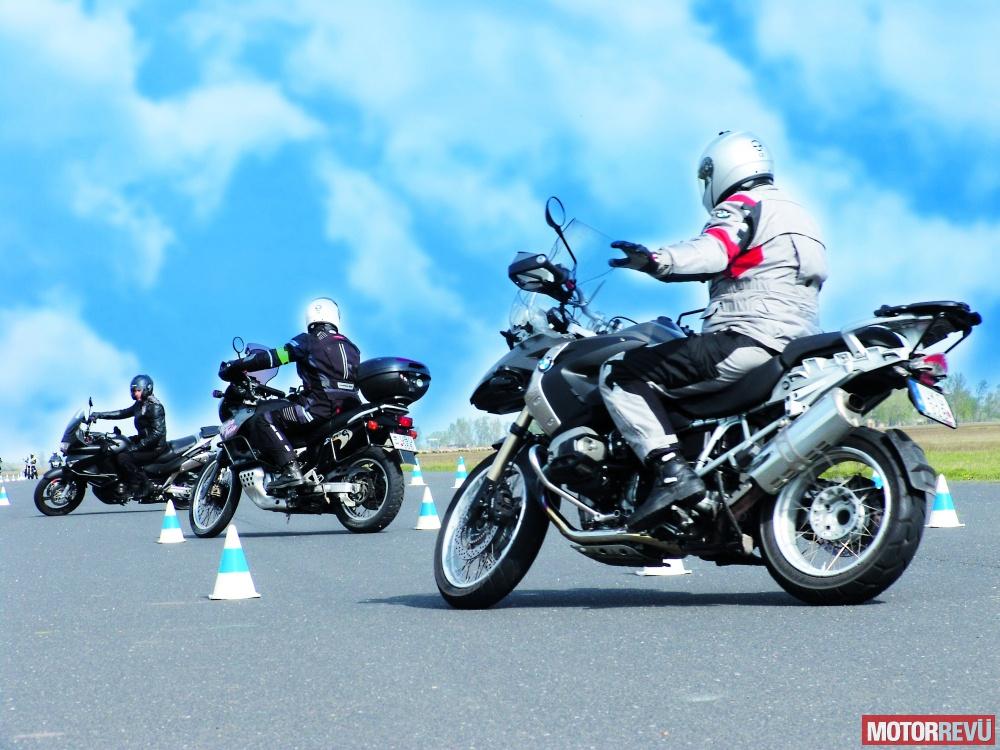 galéria BMW Motorrad Vezetéstechnikai Tréning